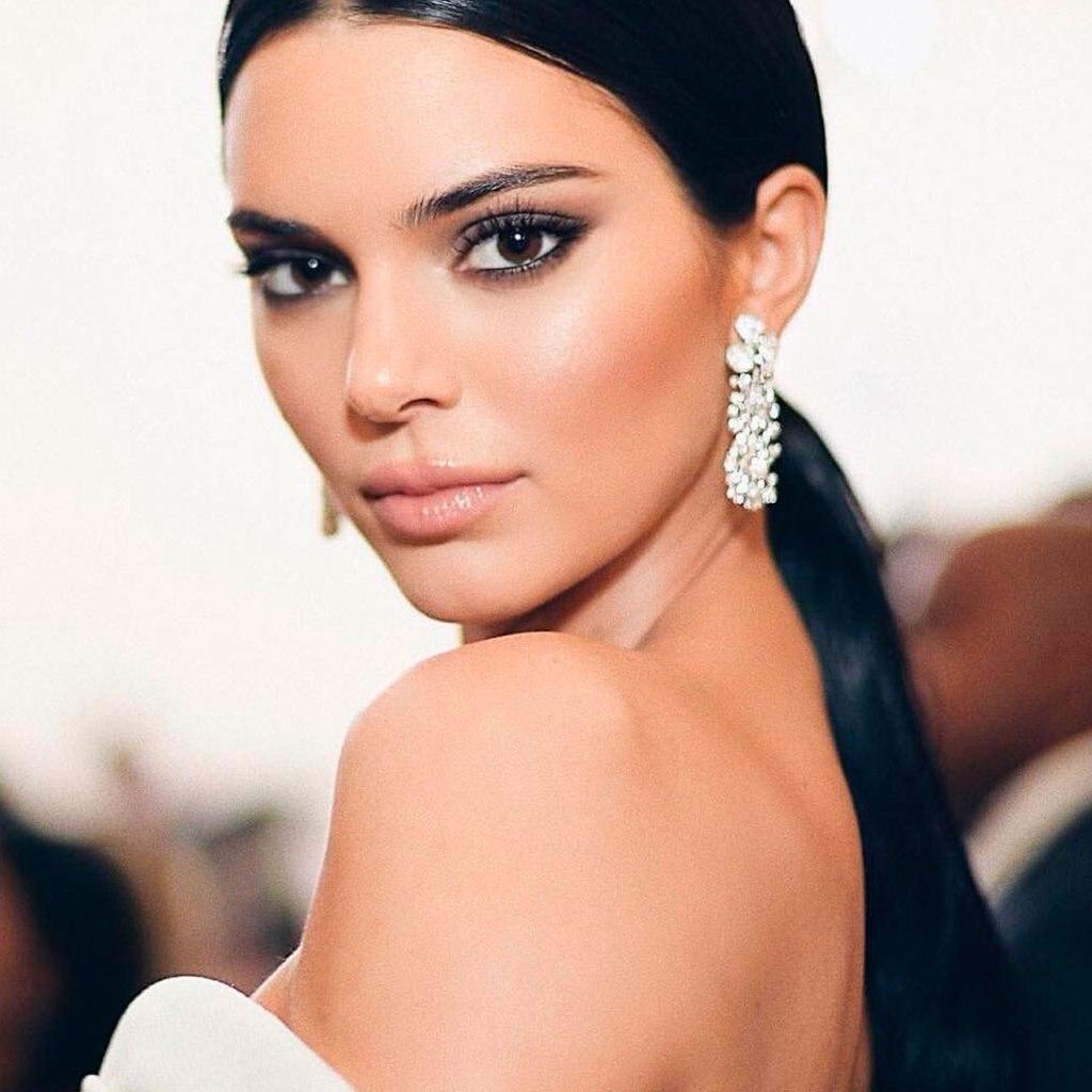 El makeup artist de Kendall reveló cuál es el primer que más usa