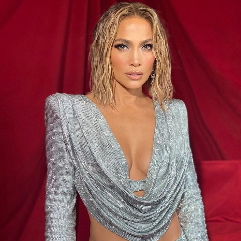La Beyhive acusó a J.Lo por copiarle a Beyoncé en los AMAs