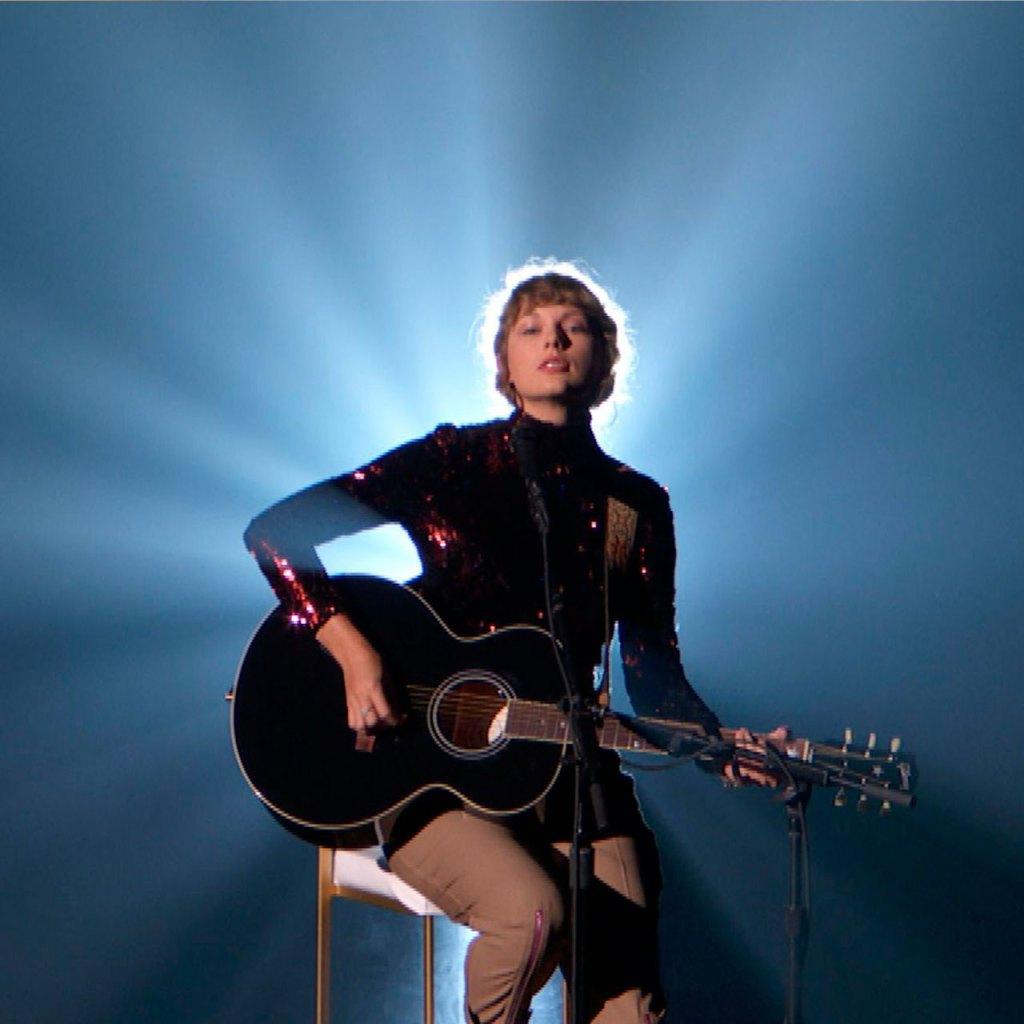 Taylor Swift nos volvió a sorprender y lanzó estos bonus tracks