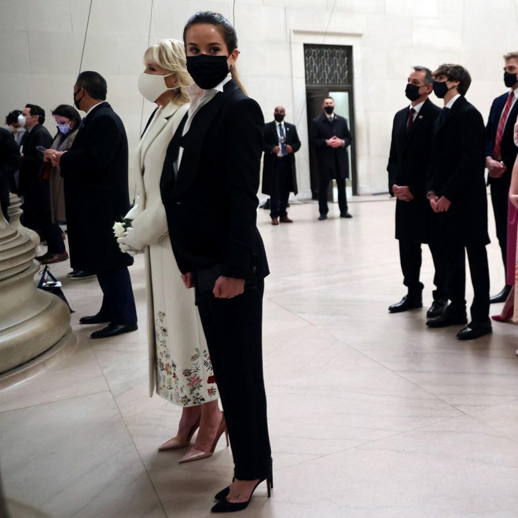 El tuxedo está de vuelta y así lo demostró Ashley Biden (hija de Joe Biden)