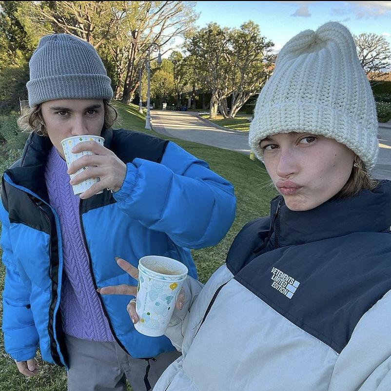 Hailey y Justin volvieron a coordinar sus looks de la manera más cool