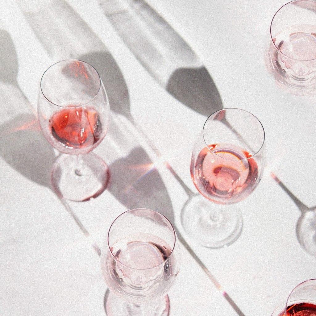 Celebra el Día Internacional de Beber Vino con nuestra selección especial