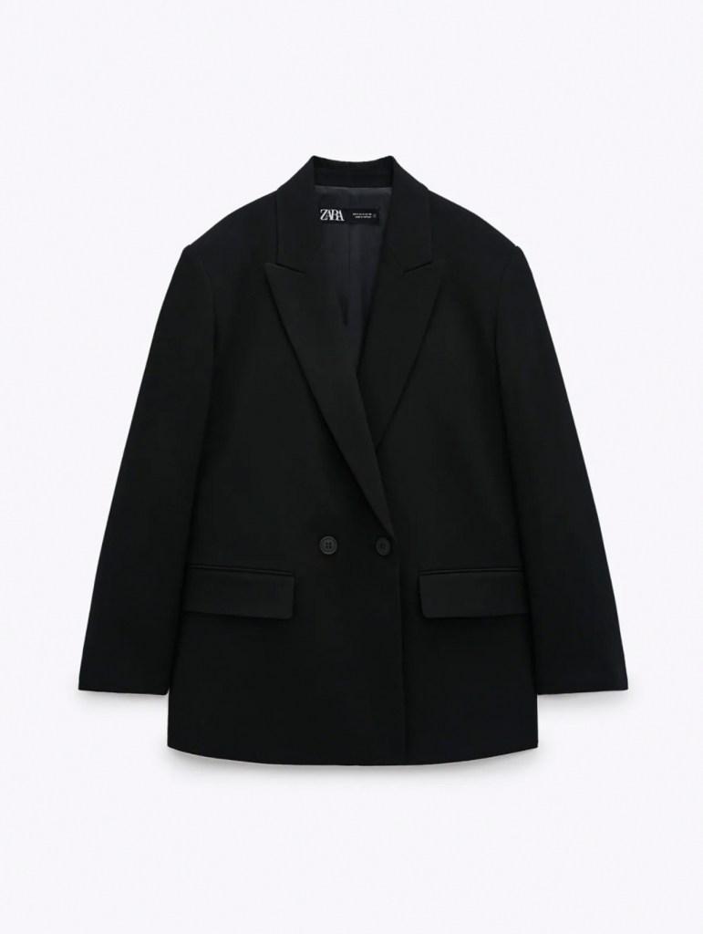 Tendencias de primavera. Blazer cruzado oversized negro de Zara para poder comprar