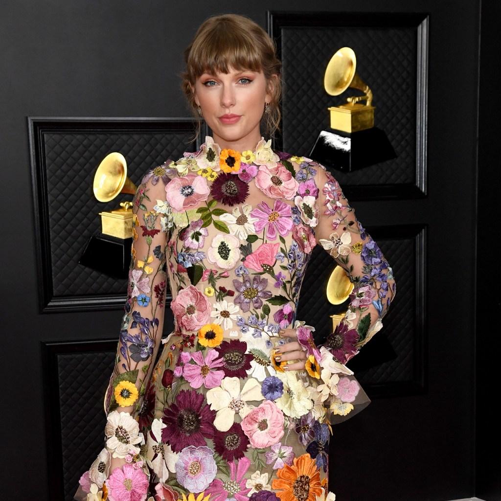 Una TikToker recreó el look de Taylor Swift que usó en los Grammys