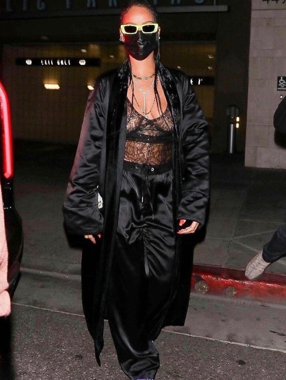 El mejor street style de Rihanna