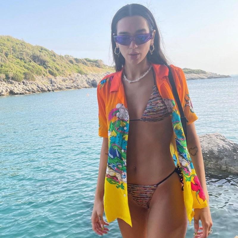 Recreamos el summer look perfecto de Dua Lipa con prendas low cost
