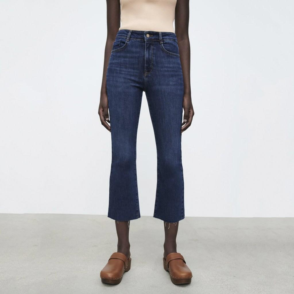 flare jeans para otoño