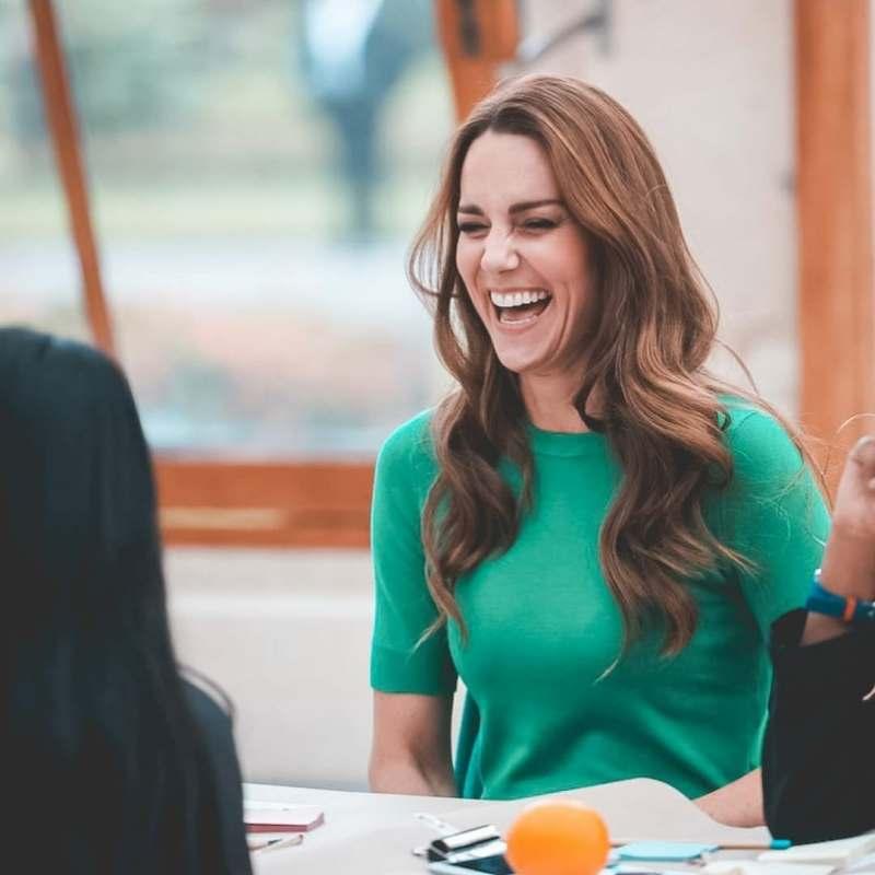 Kate Middleton usó el color de la temporada en un top de Zara