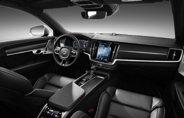 2019-Volvo-V60-Interior features and driver assistance