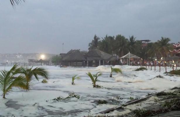 Alerta SMN por Mar de Fondo en el Pacífico y lluvias en CDMX