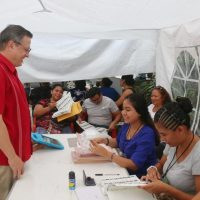 Luis Alegre da mensaje a técnicos graduados en Quintana Roo
