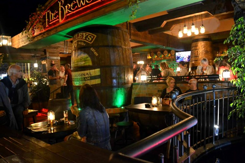 Irish beer garden design vilamoura portugal