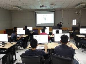 โครงการการเขียนโปรแกรมซอฟต์แวร์จำลองสถานการณ์การทำงานและระบบการผลิตในโรงงานอุตสาหกรรม