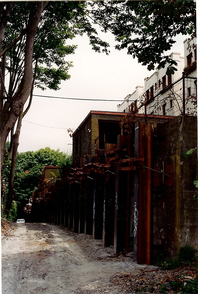 La Amorita Retaining wall0001
