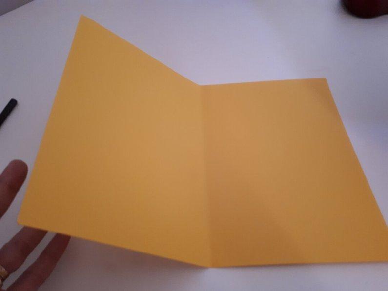Dia das mães: cartão coração - dobrar o papel