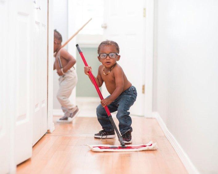tempo com seu filho - ajuda na faxina