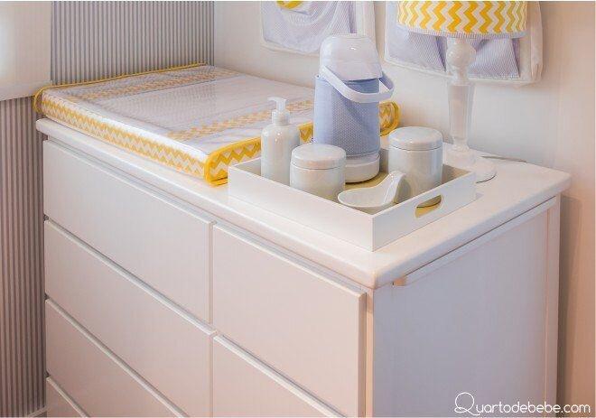 Kit-de-higiene-em-cima-da-cômoda