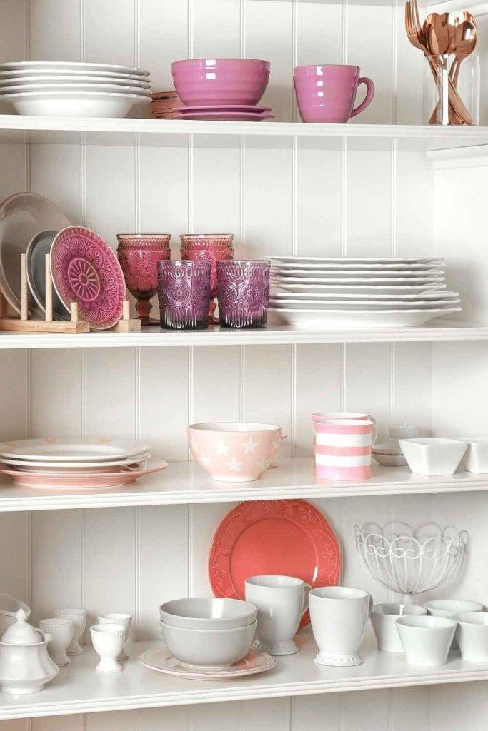 decoração de cozinha com prateleiras 16