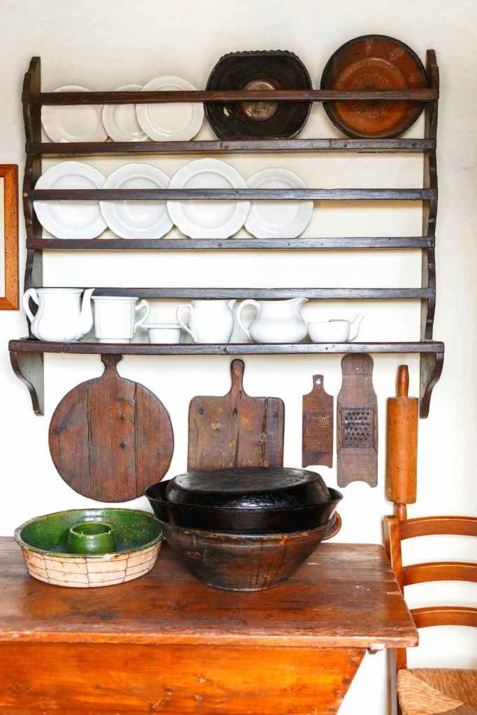 decoração de cozinha com prateleiras 7