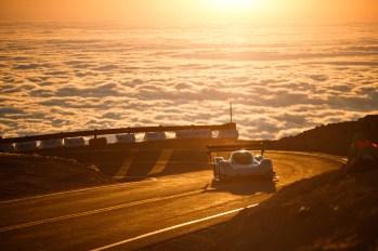 Romain_Dumas_F_Volkswagen_I.D._R_Pikes_Peak