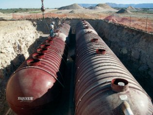 Xerxes Tanks being installed at Grand Canyon Skywalk