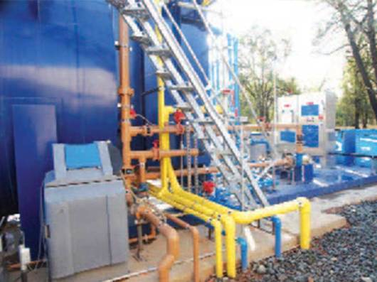 Feed pipelines for wastewater treatment