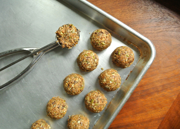pumpkin-seed-trail-mix-bites-2