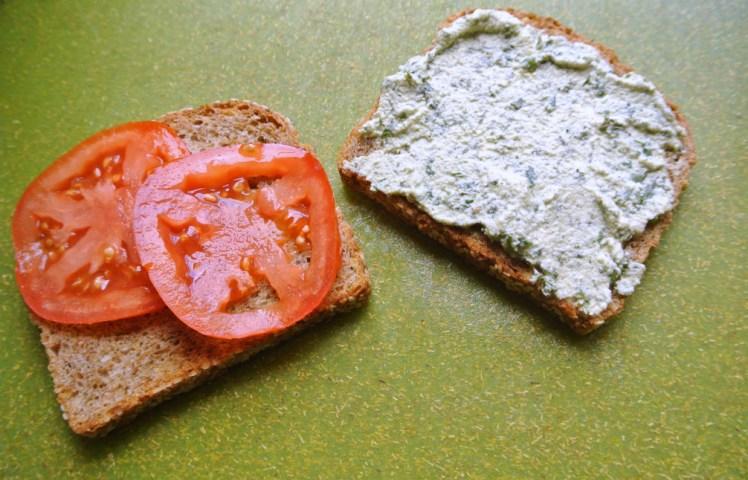vegan-pesto-grilled-cashew-cheese-sandwiches-1