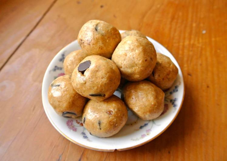 peanut-butter-protein-balls-4