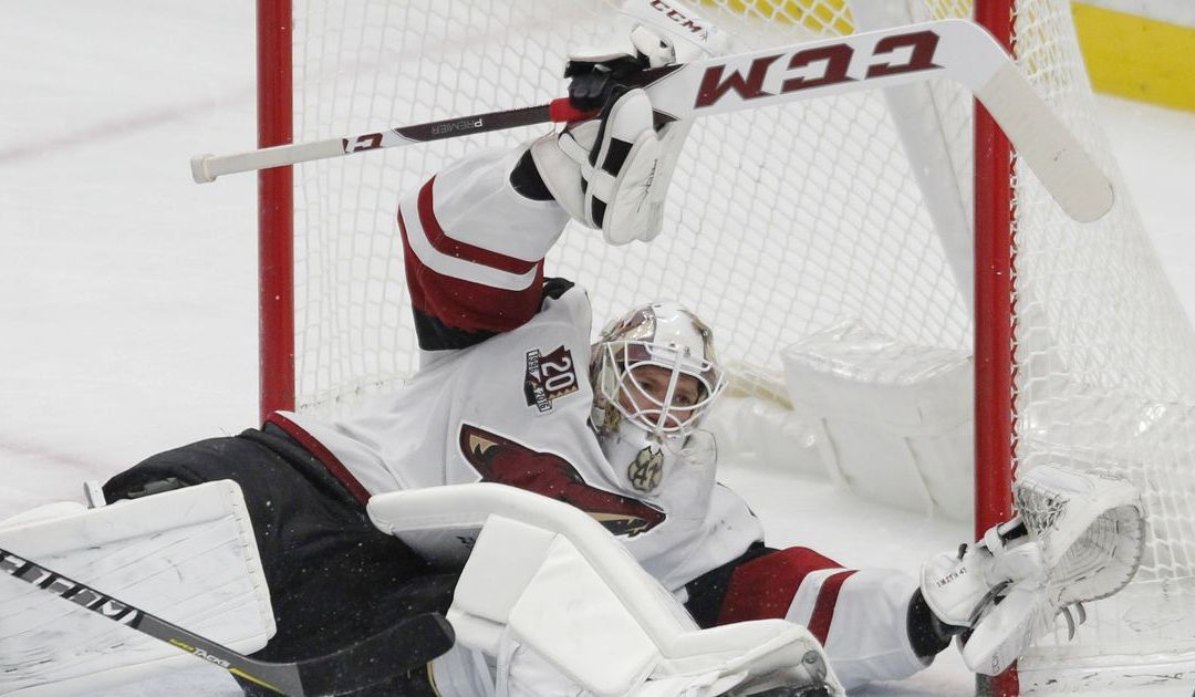 Coyotes' Mike Smith snaps out of funk, eyes strong finish