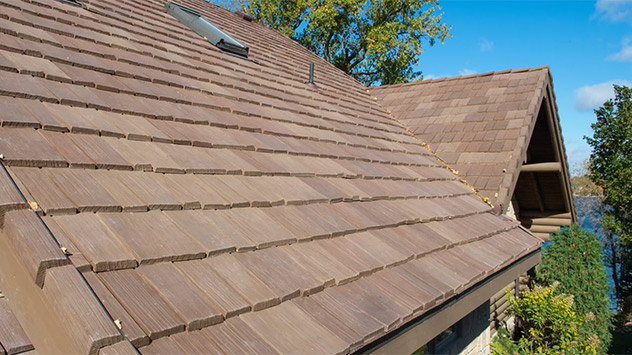 DaVinci Roofscapes Cedar Shake Roof: Real Versus Synthetic
