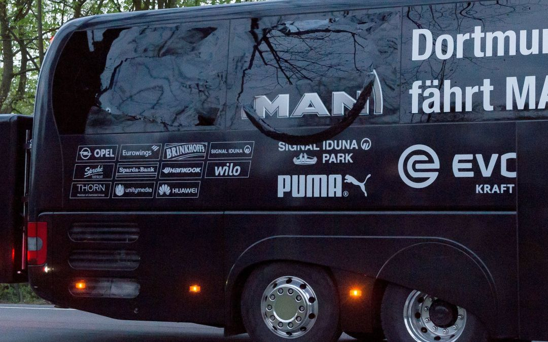 Explosions go off near Borussia Dortmund team bus before Champions League game