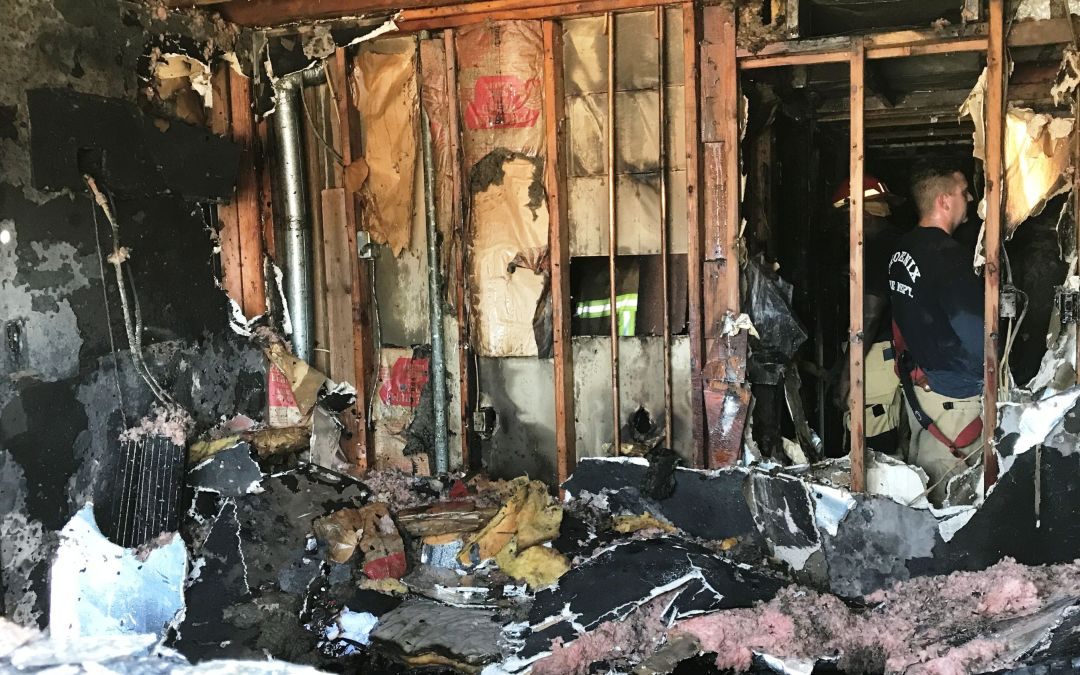 Phoenix house fire displaces 15 people