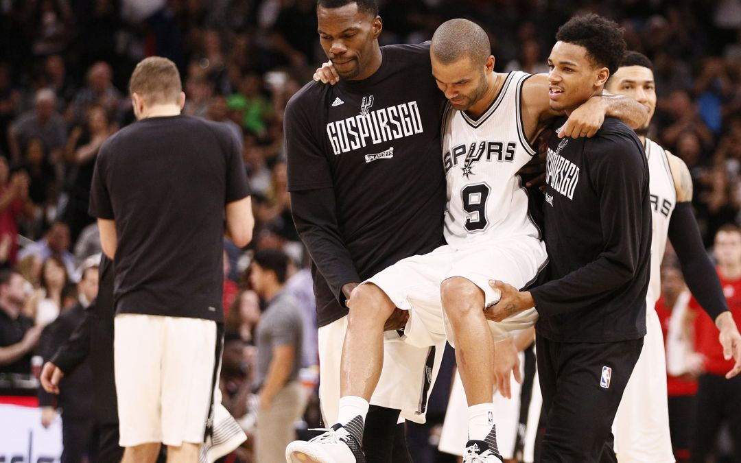 Spurs PG Tony Parker carried off court after left leg injury