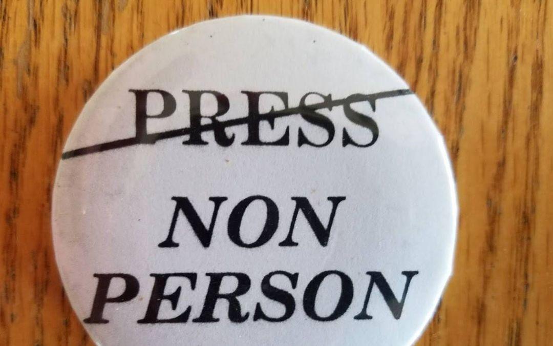 Arizona journalists stood up to Gov. Evan Mecham's attack on John Kolbe
