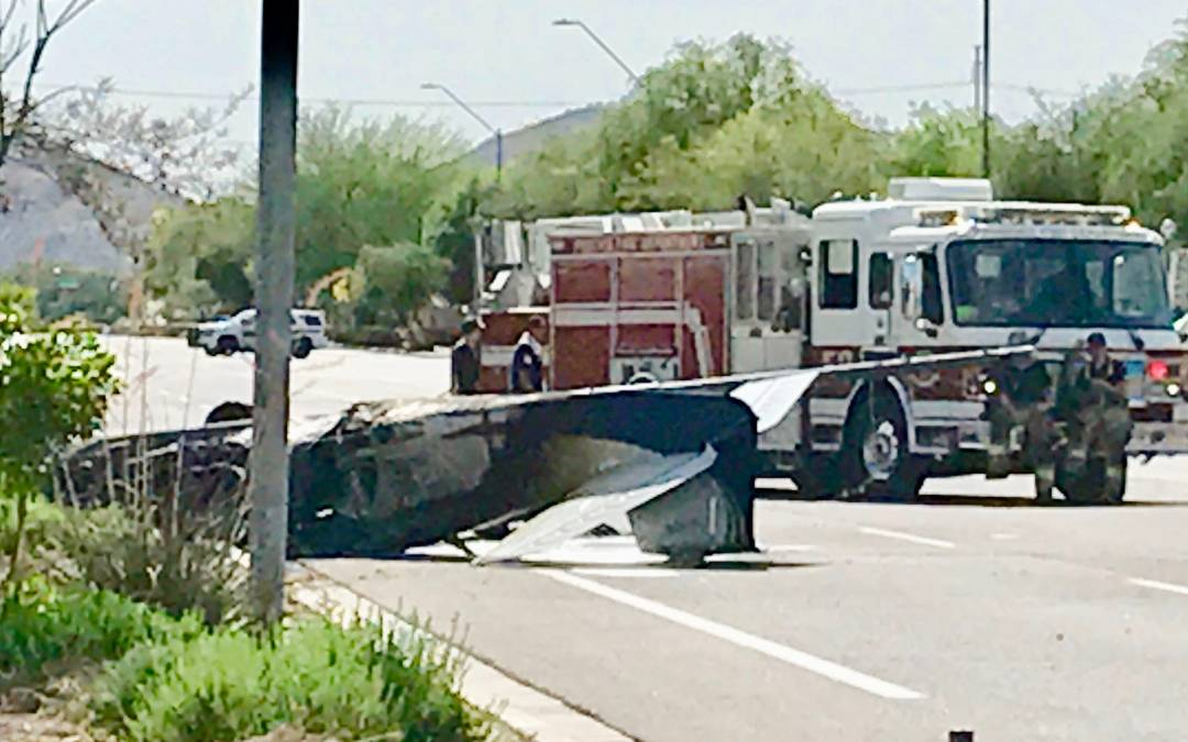 Small plane crashes in north Phoenix near Deer Valley Airport