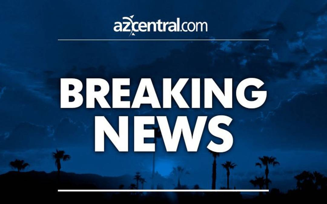 Crash causes power outage in west Phoenix; power to be restored at about 10:30 p.m.