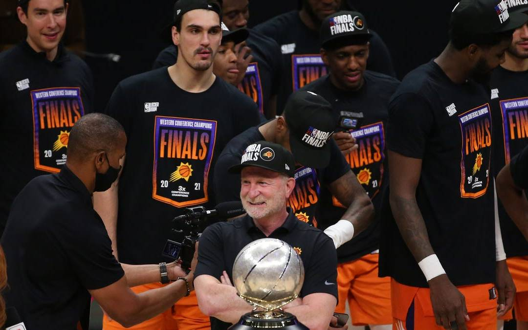 Phoenix Suns' Robert Sarver thanks fans, promises to work for NBA title