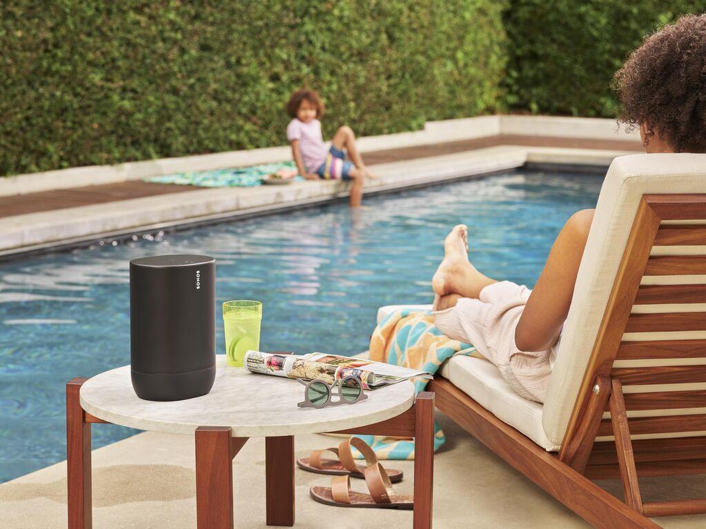Sonos Move Portable Speaker Pool - přenosný reproduktor Sonos