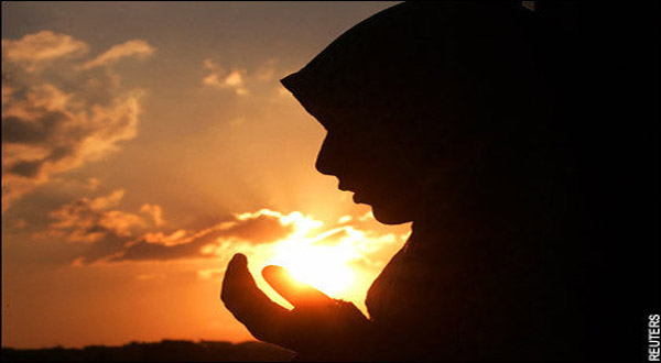 Former Actress & Model Finds Peace in Islam