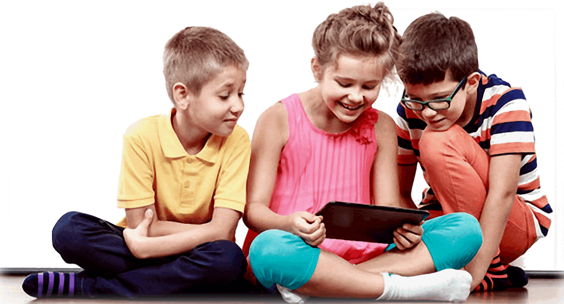 3-kids-with-ipad