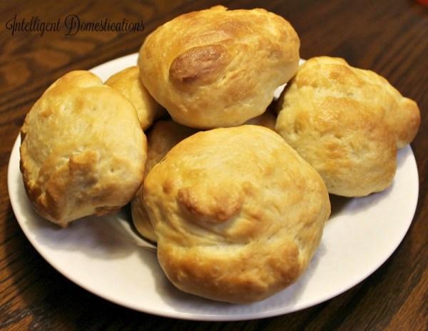 Homemade Yeast Rolls recipe at intelligentdomestications.com