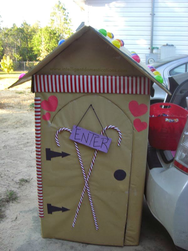 Entrance to the Trunk or Treat Candy Cottage