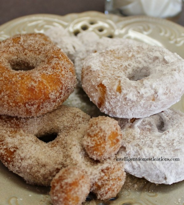How to make Biscuit Doughnuts. Quick and easy dessert. Cheap dessert. #biscuitdonuts #dessert #kitchenhack