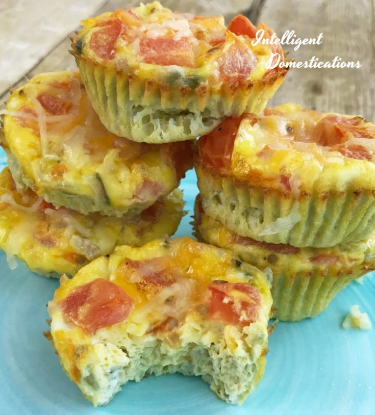 If you can chop vegetables and stir eggs, you can make these Baked Egg & Veggie Omelet Muffins. Easy to personalize, low carb and gluten free. A nice addition to your Brunch menu. Easy breakfast on the go finger food. #omelet #breakfast