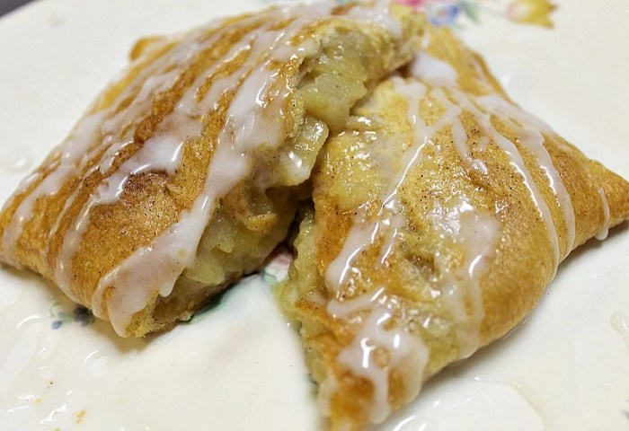 Homemade Cresent Apple Turnovers are a scrumptious quick dessert you can make in your own kitchen