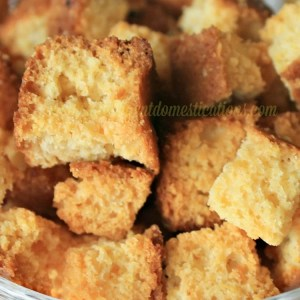 How to make Cornbread Croutons. A delicious topping for soups and salads. #cornbread