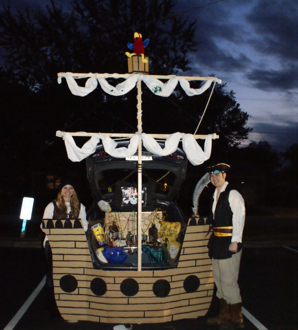 Pirate Ship Trunk or Treat design. 21 Clever Trunk or Treat Ideas. Trunk or & 21Clever Trunk or Treat Decorating Ideas | Intelligent Domestications