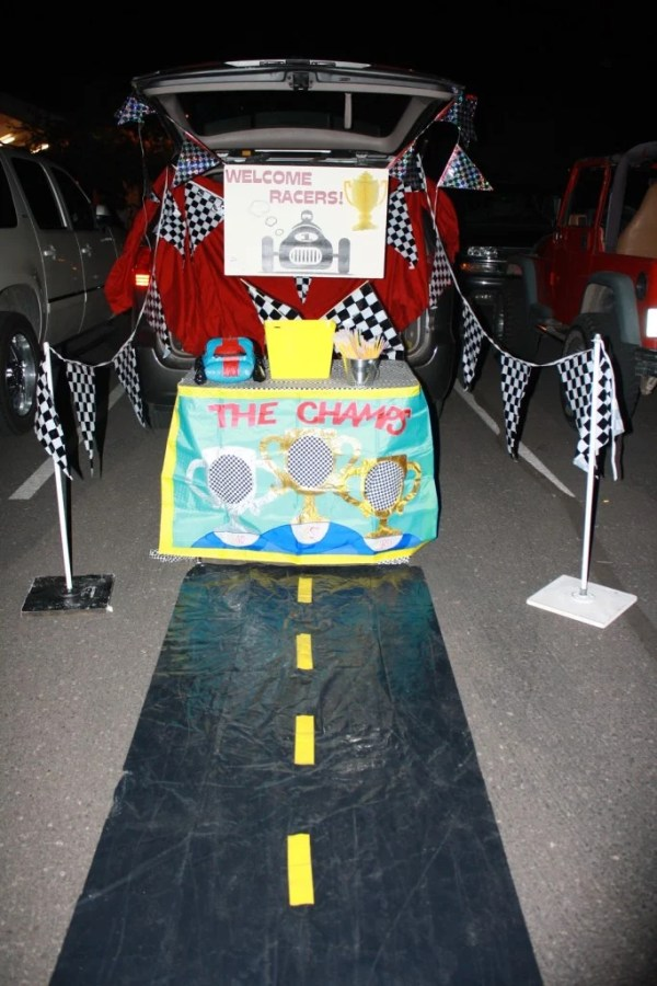 Race Car theme Trunk or Treat idea..21 Clever Trunk or Treat Ideas.21 Clever Trunk or Treat Ideas. Trunk or Treat design ideas. Trunk or Treat