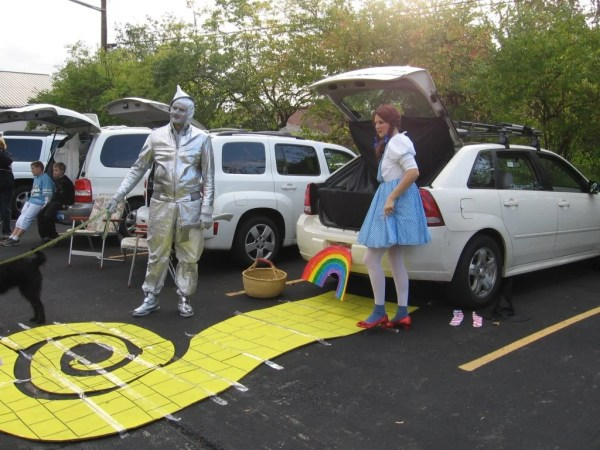 Wizard of Oz Trunk or Treat design..21 Clever Trunk or Treat Ideas.21 Clever Trunk or Treat Ideas. Trunk or Treat design ideas. Trunk or Treat #Trunkortreat